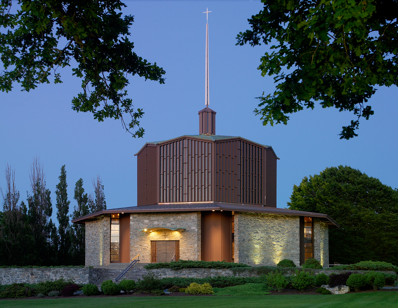 Church of St. Gregory The Great and Our Lady of Mercy Chapel Earn 2014 Faith & Form Religious Architecture Award